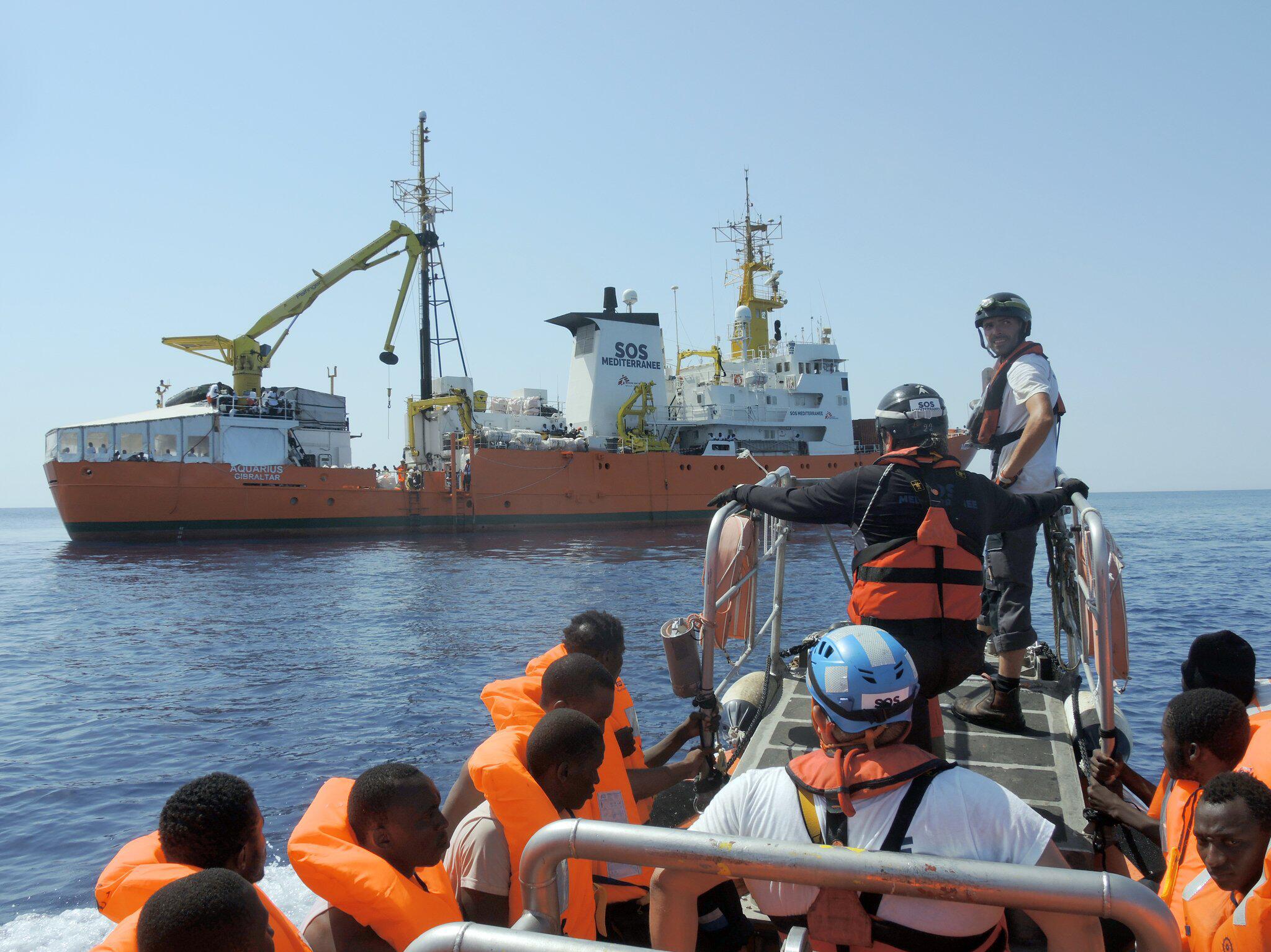 Bild zu Seenotretter im Mittelmeer