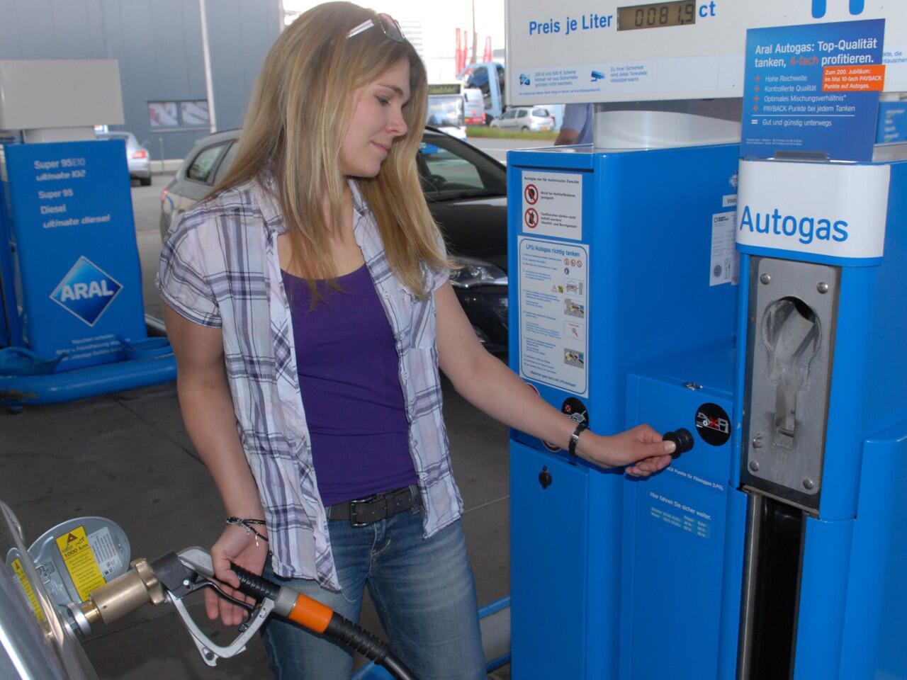 Bild zu Die Umrüstung auf Autogas kostet, rechnet sich aber bald wieder