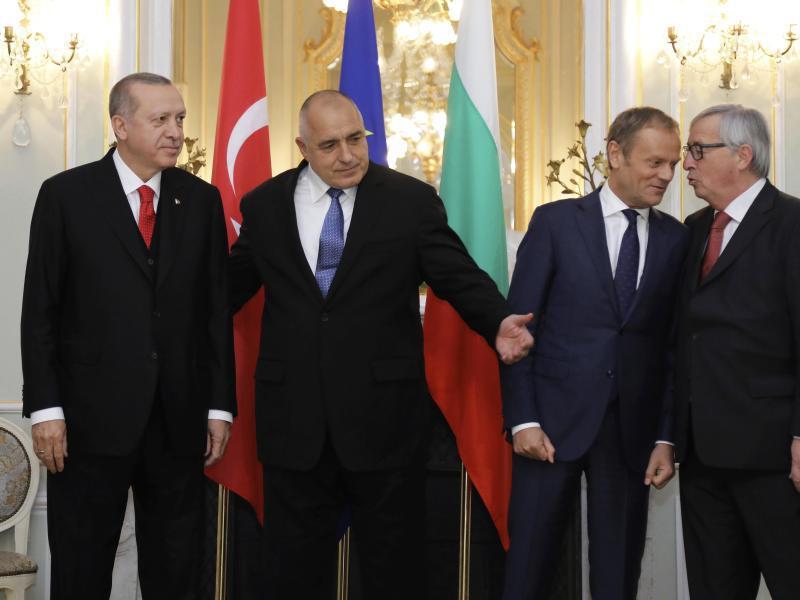 Bild zu EU-Türkei-Gipfel in Bulgarien