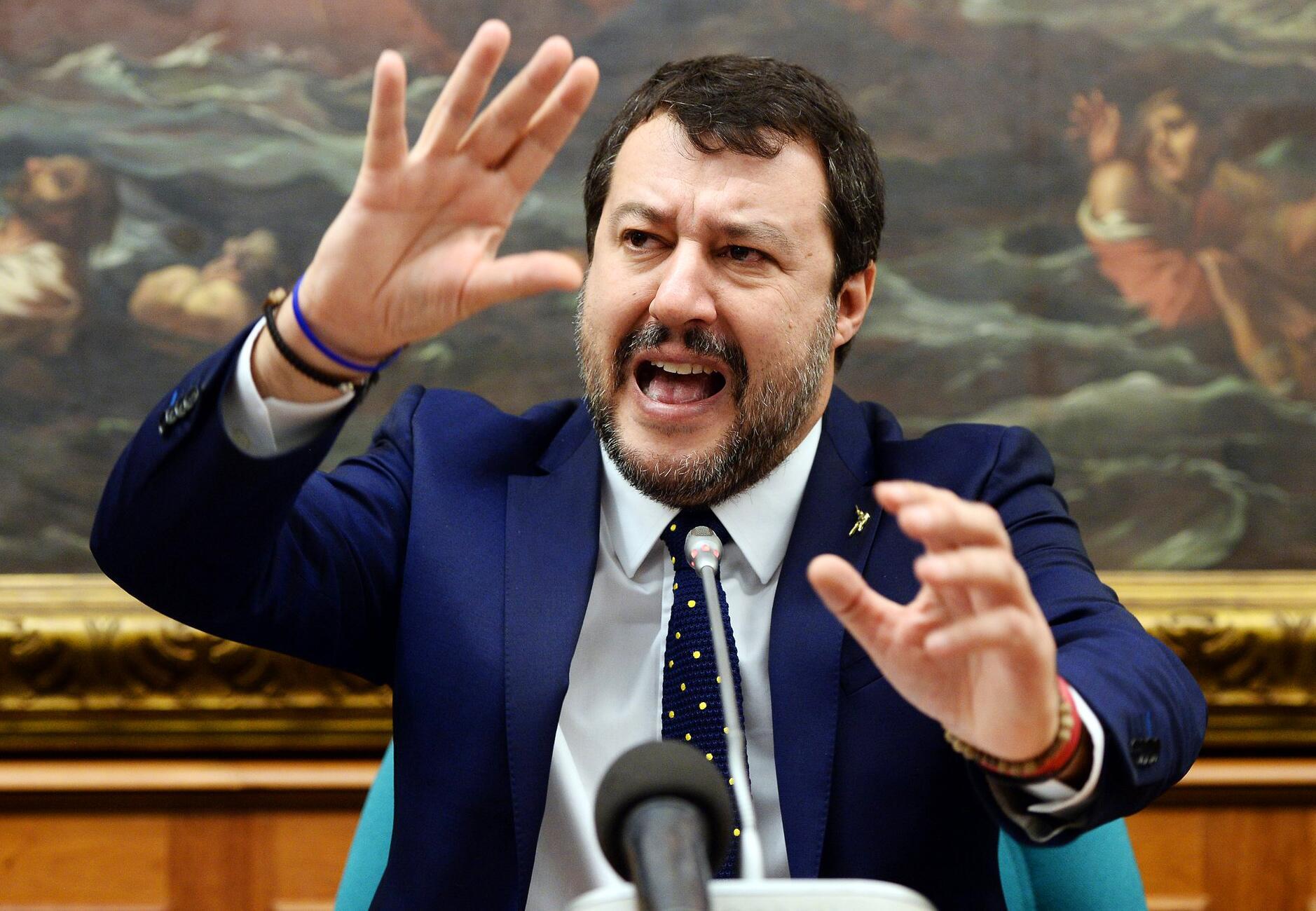Bild zu Kommission stimmt für Prozess gegen Salvini