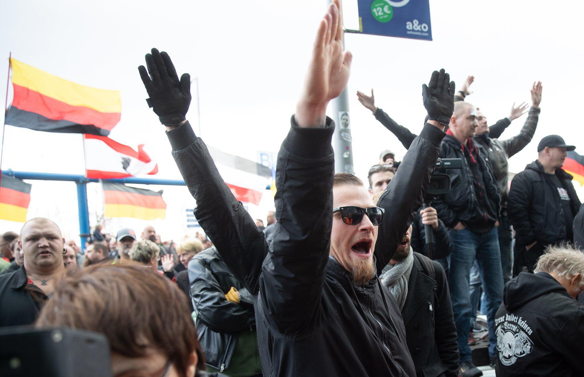 Bild zu Tag der Deutschen Einheit - Demo «Tag der Nation»