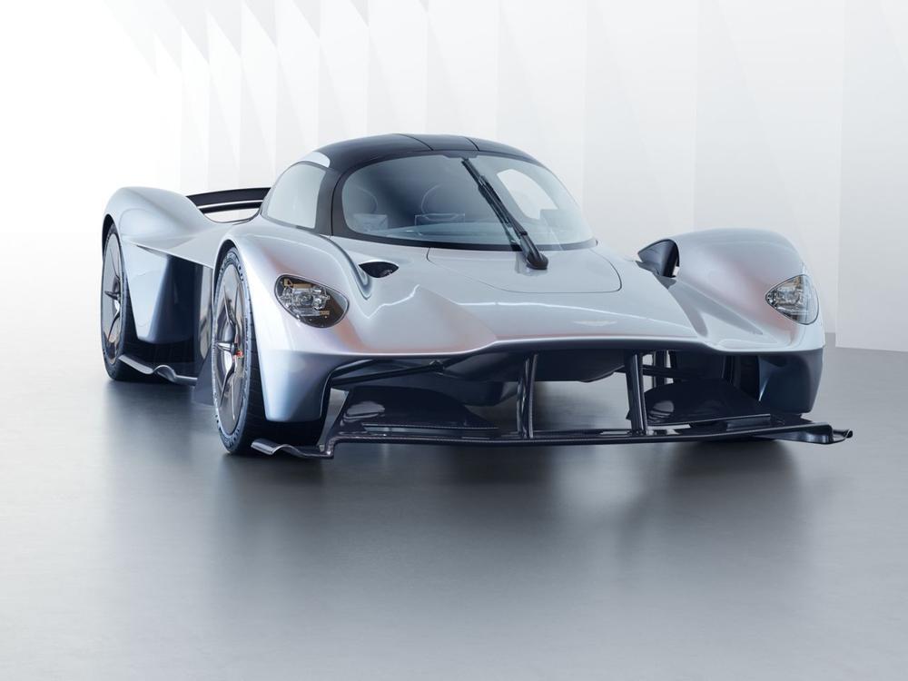 Bild zu Fast serienreifes Hypercar: Das sind die ersten Bilder des Aston Martin Valkyrie
