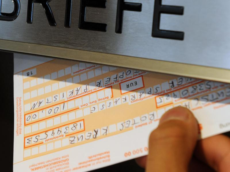 Bild zu Überweisungsschein und Briefkasten