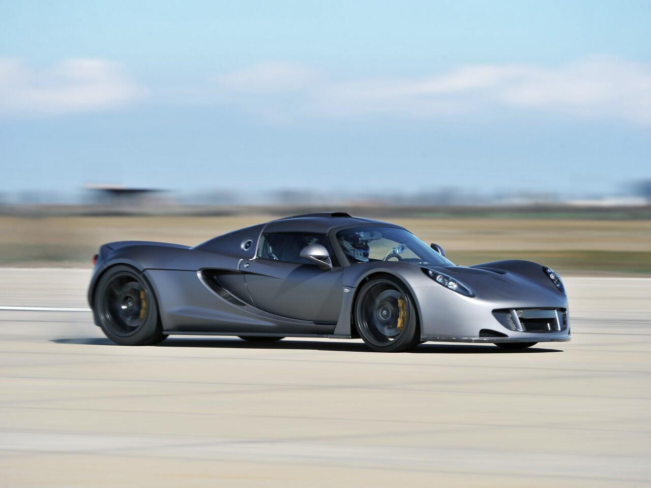 Bild zu Platz 2: Der Hennessey Venom GT schafft exakt 427,6 Stundenkilometer