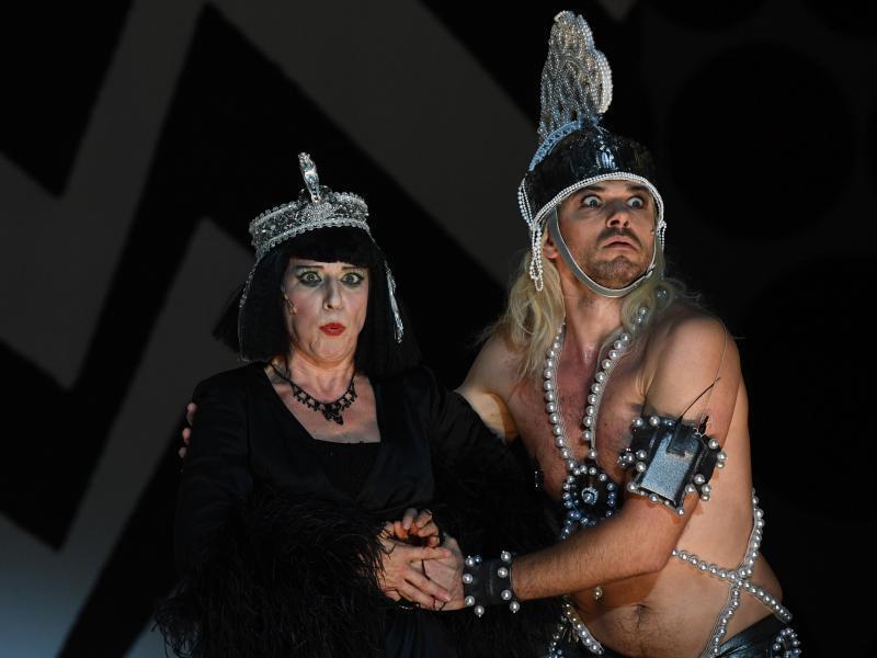 """Bild zu """"Perlen der Kleopatra"""" an der Komischen Oper"""