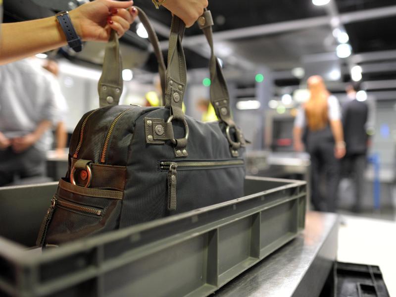 Bild zu Regeln fürs Handgepäck beachten