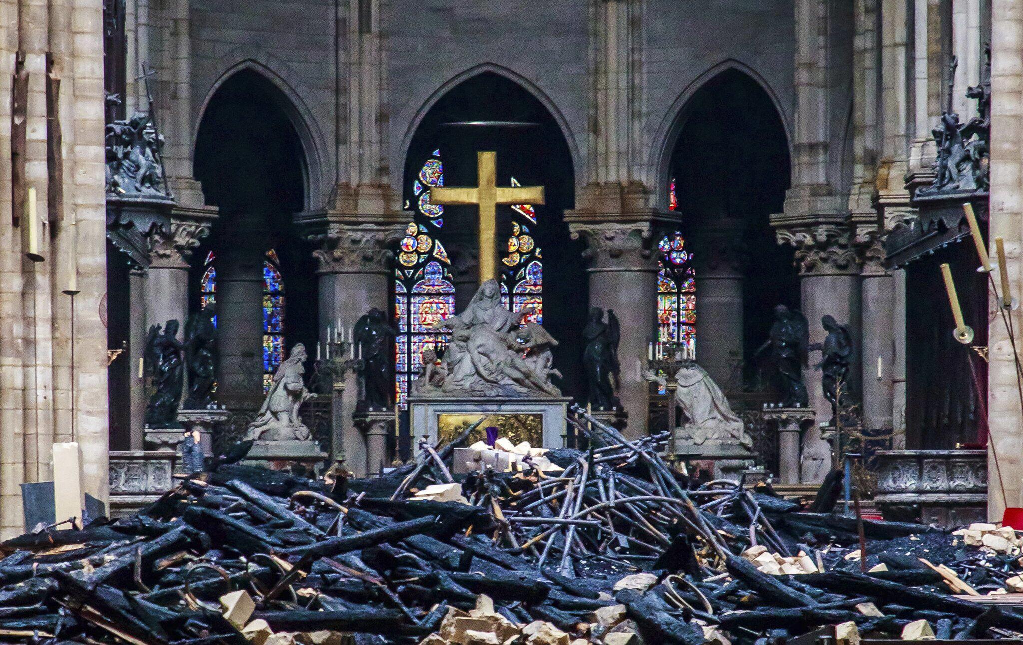 Bild zu Nach dem verheerenden Brand der Kathedrale Notre-Dame