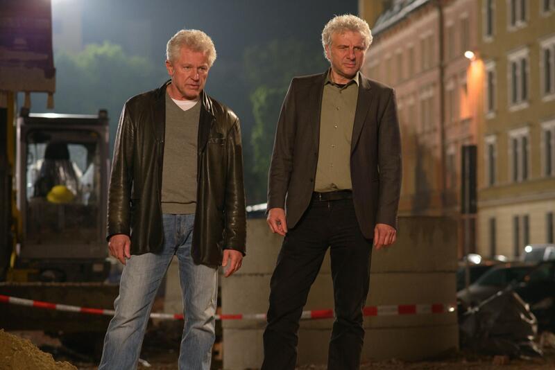 Bild zu Die Kommissar Batic (Miroslav Nemec, links) und Leitmayr (Udo Wachtveitl) ermitteln in München.