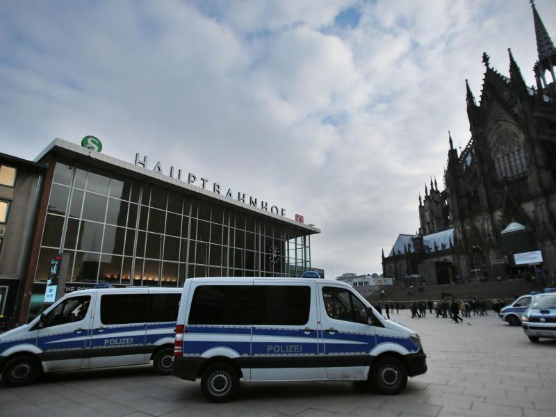 Bild zu Polizei am Kölner Hauptbahnhof