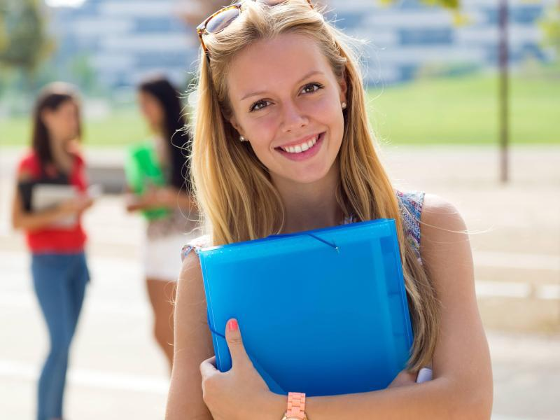 Bild zu Studierende im Ausland