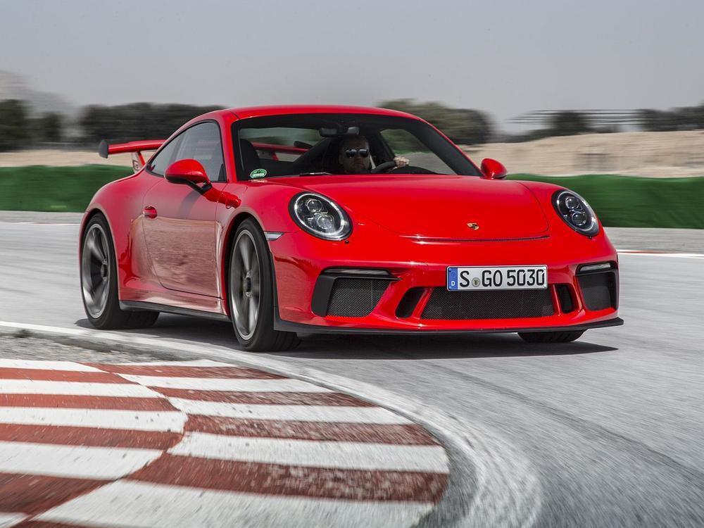 Bild zu Porsche an der Spitze: Diese Automarken sammeln die meisten Punkte in Flensburg