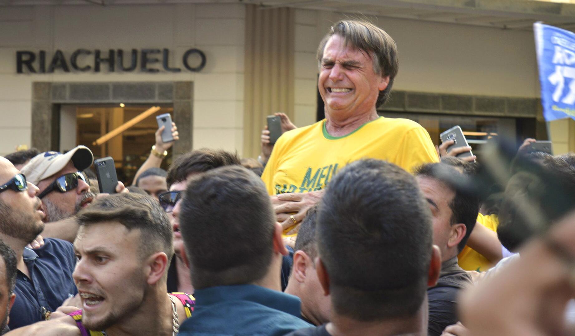 Bild zu Messerattacke auf Präsidentschaftskandidaten in Brasilien