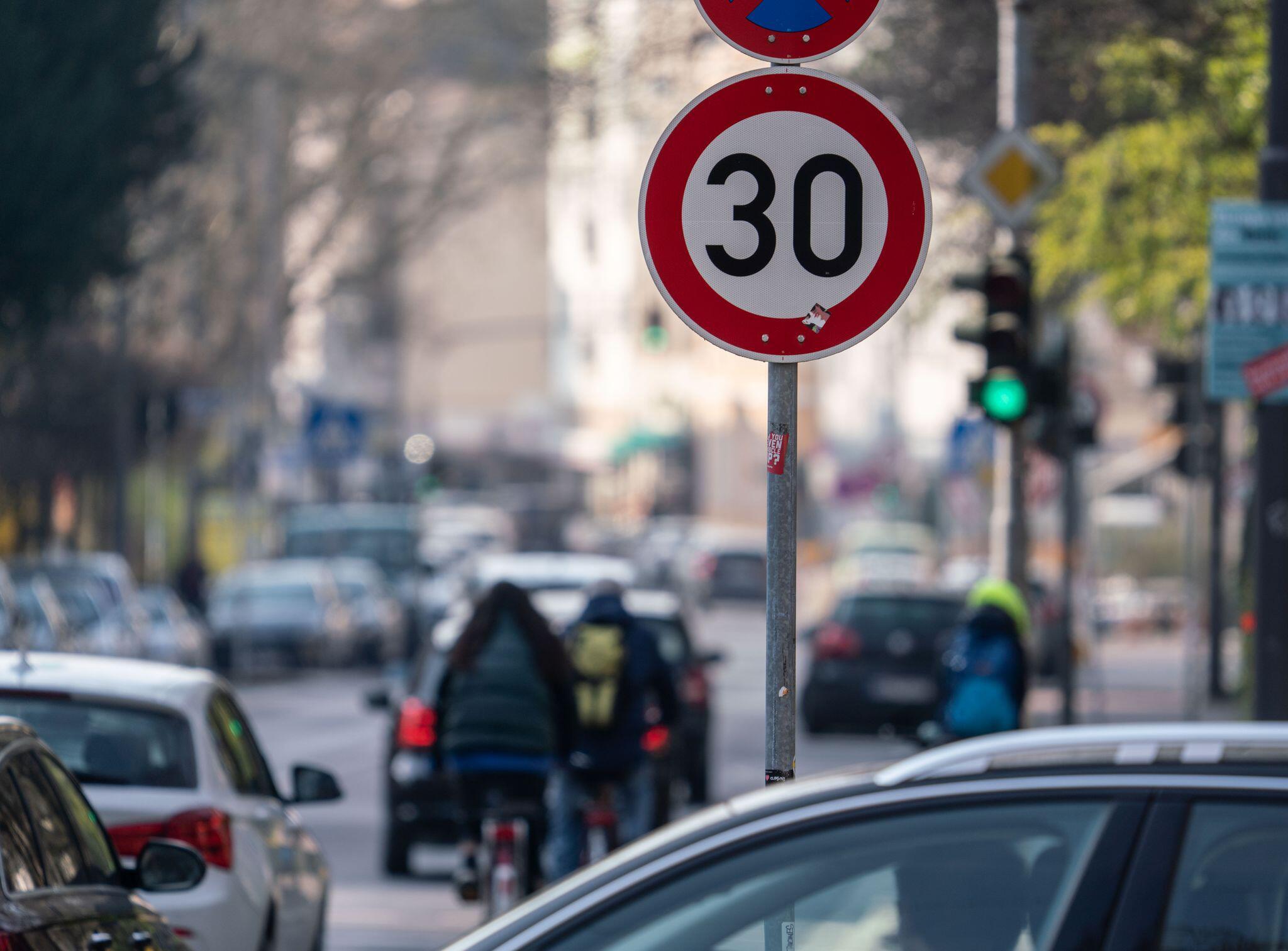 Bild zu Bußgelder im Verkehr steigen