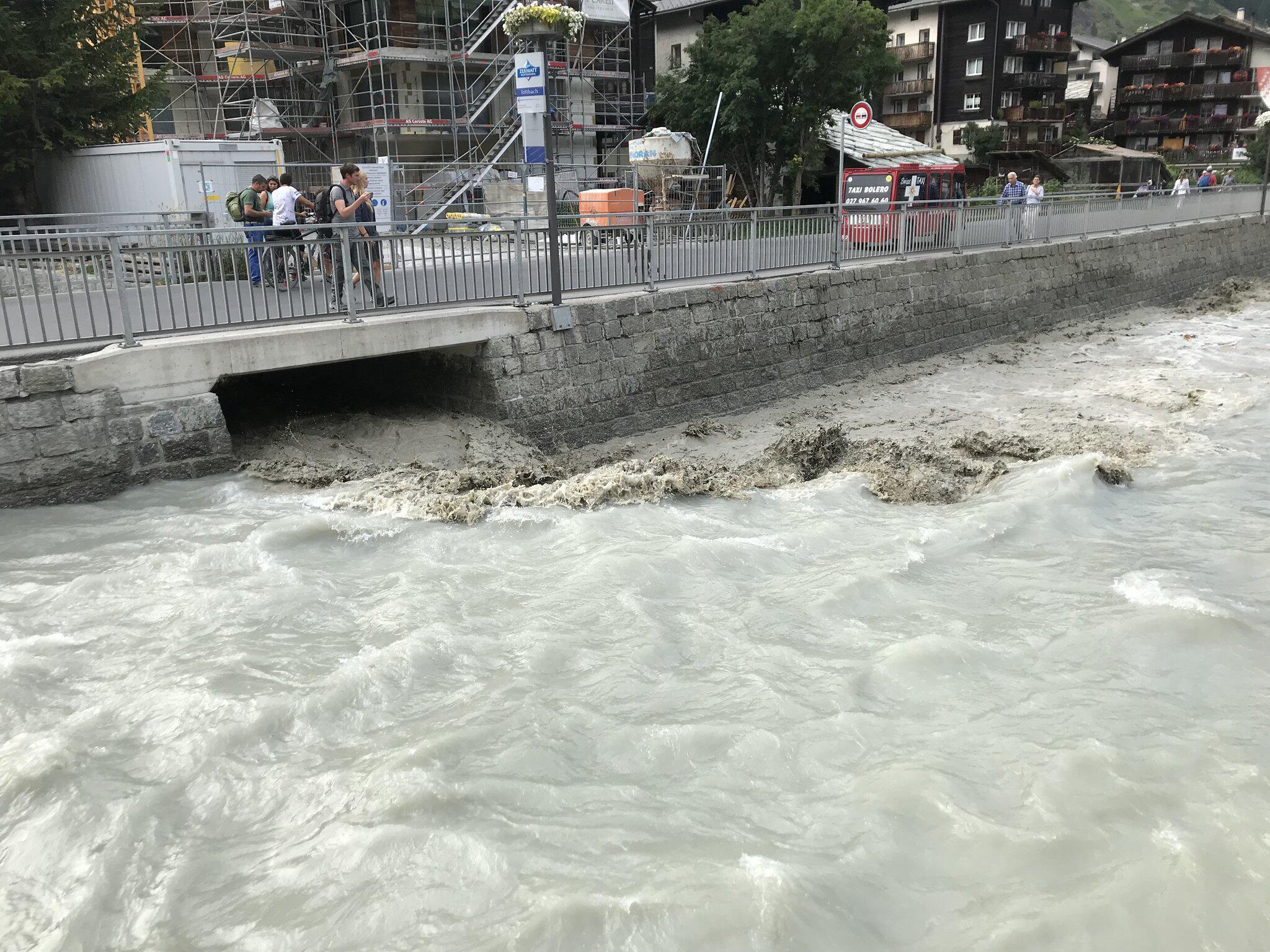 Bild zu Hochwasser in Zermatt