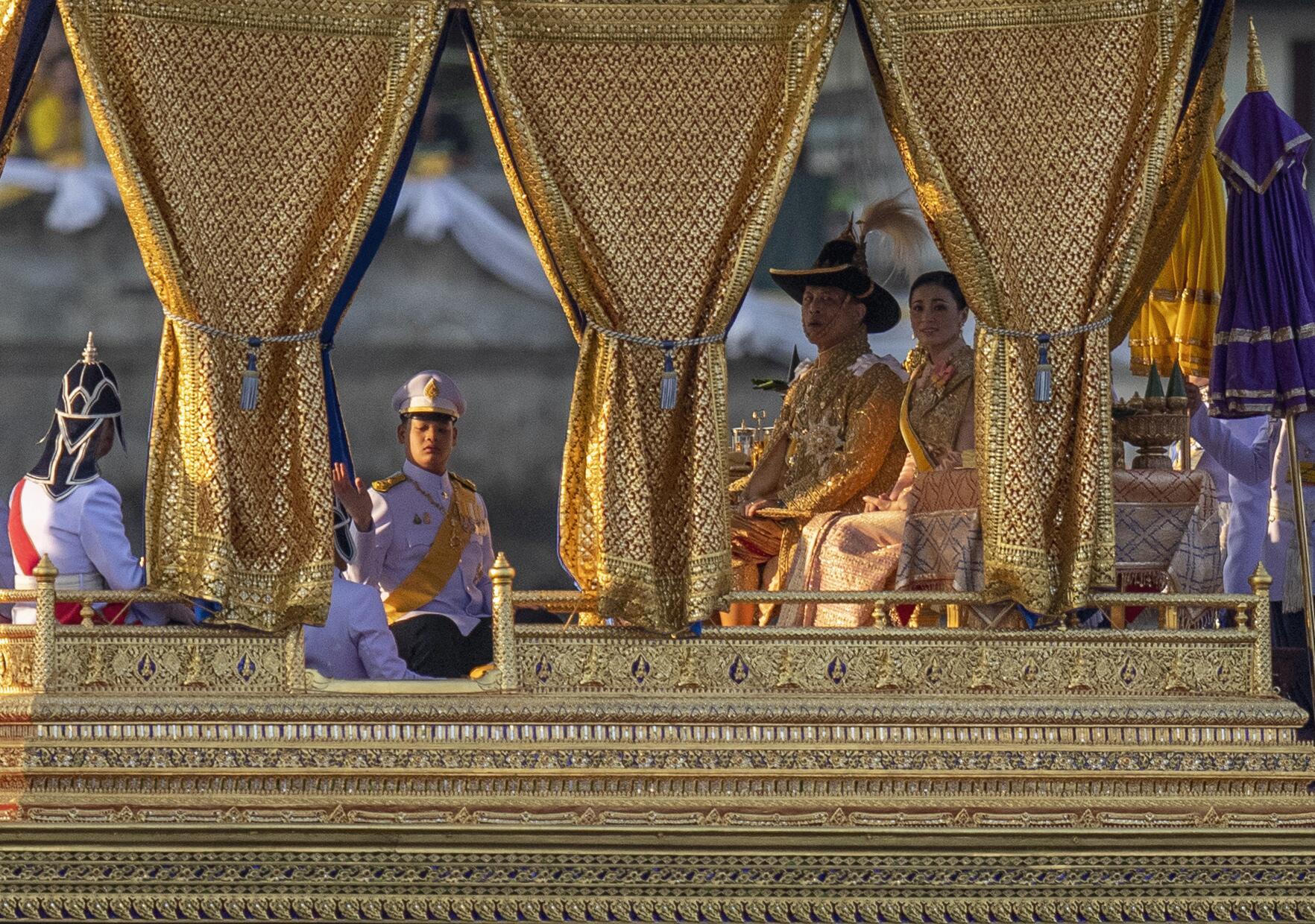 Bild zu Feierlichkeiten zur Krönung in Thailand