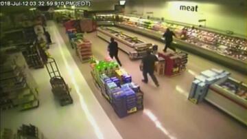 Bild zu Supermarkt, Fall, Sturz, Mann, Decke