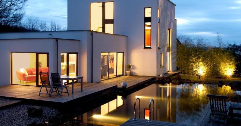 im richtigen licht tipps f r die gartenbeleuchtung. Black Bedroom Furniture Sets. Home Design Ideas