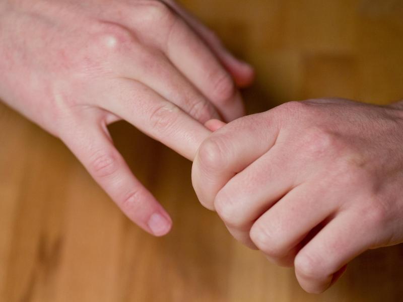Bild zu Fingerknacken