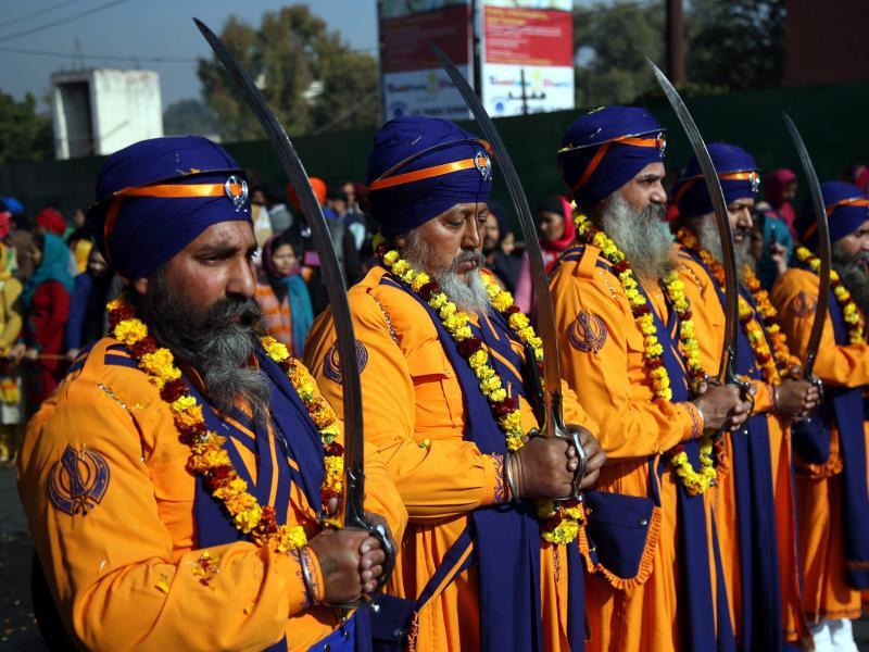 Bild zu Sikh-Prozession