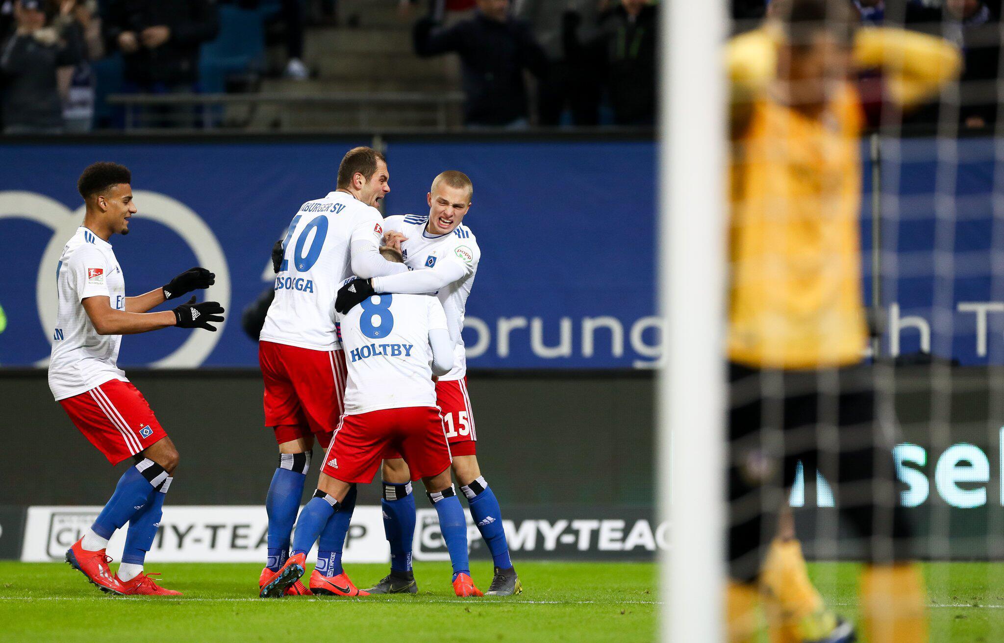 Bild zu Hamburger SV - Dynamo Dresden
