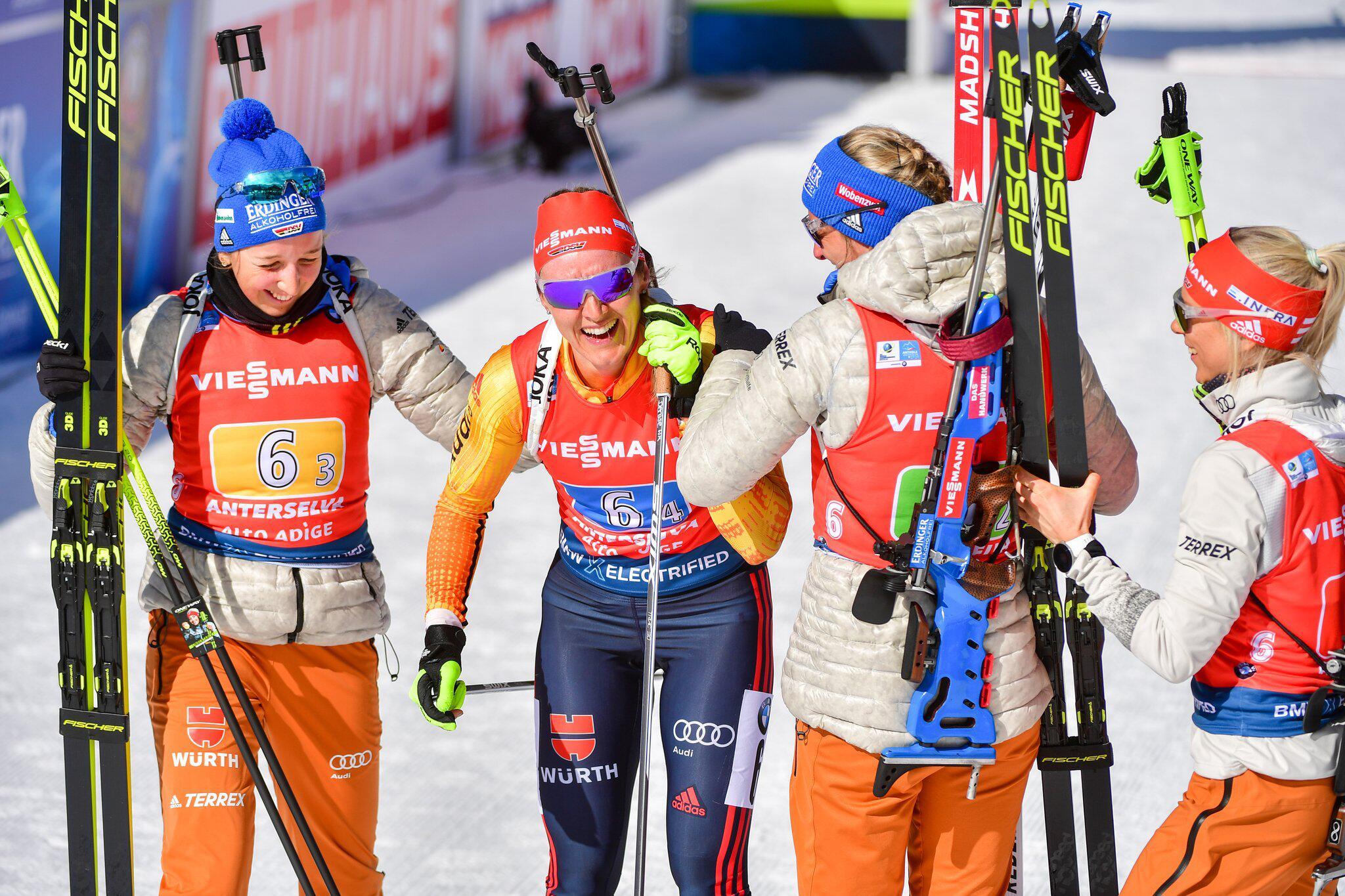 Bild zu Biathlon - Weltmeisterschaft/Weltcup: Staffel-Silber