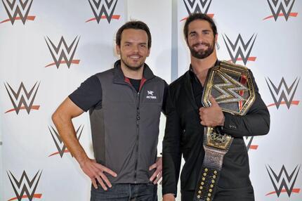 Begeisterte Fans und Stelldichein der Promis bei der WWE LIVE in Hamburg