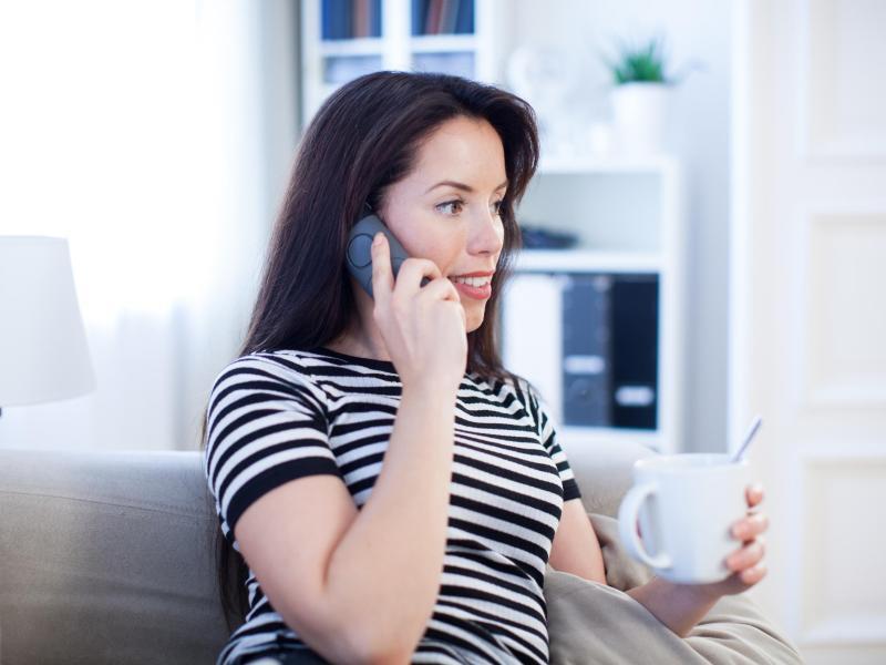 Bild zu Ein Telefonat zu Hause