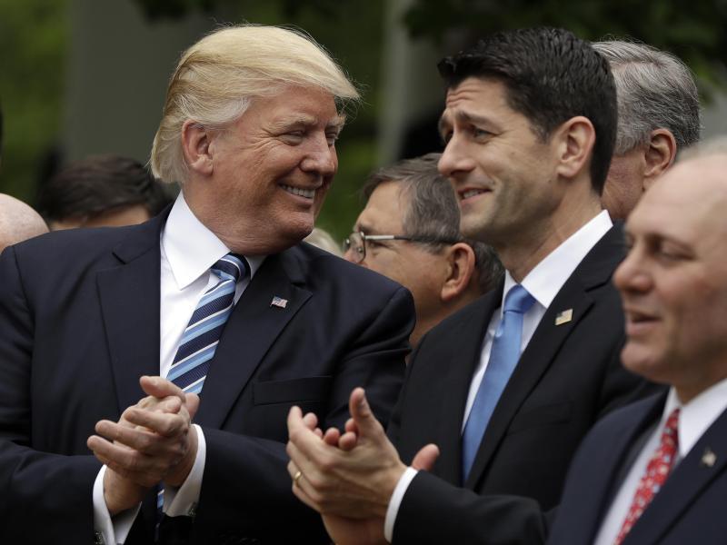 Bild zu Donald Trump und Paul Ryan