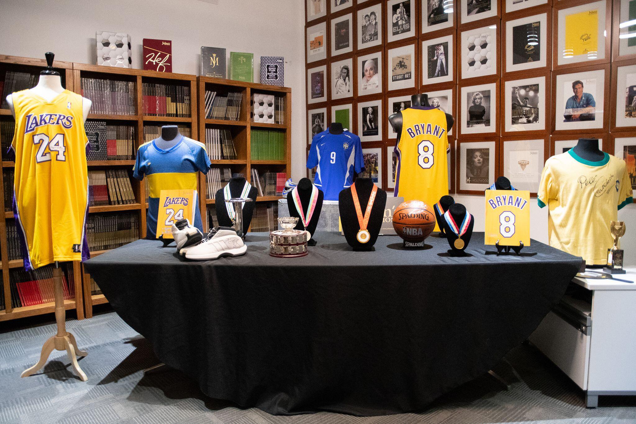 Bild zu Auktion von Sport-Devotionalien von Kobe Bryant