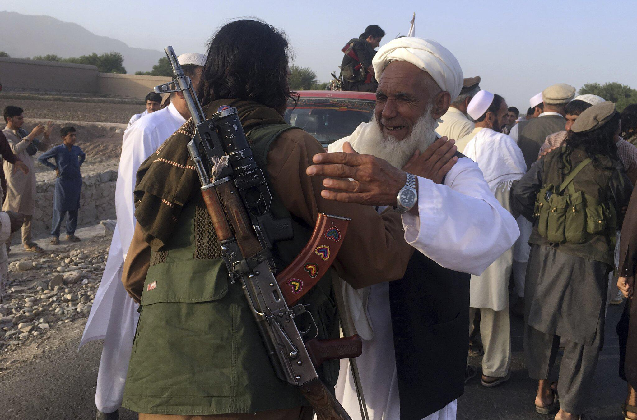 Bild zu Freude über Waffenruhe in Afghanistan