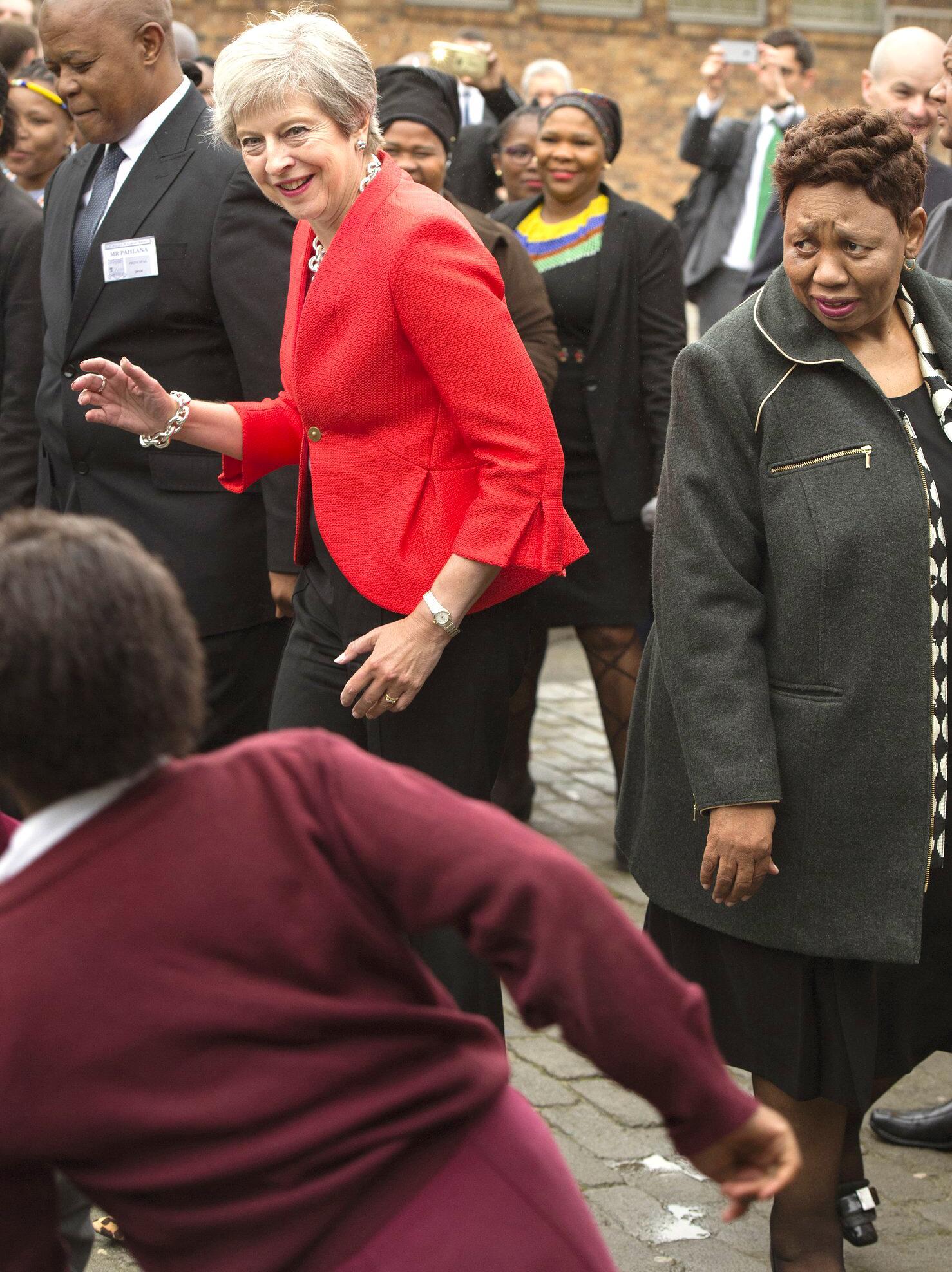 Bild zu Britische Premierministerin besucht Afrika