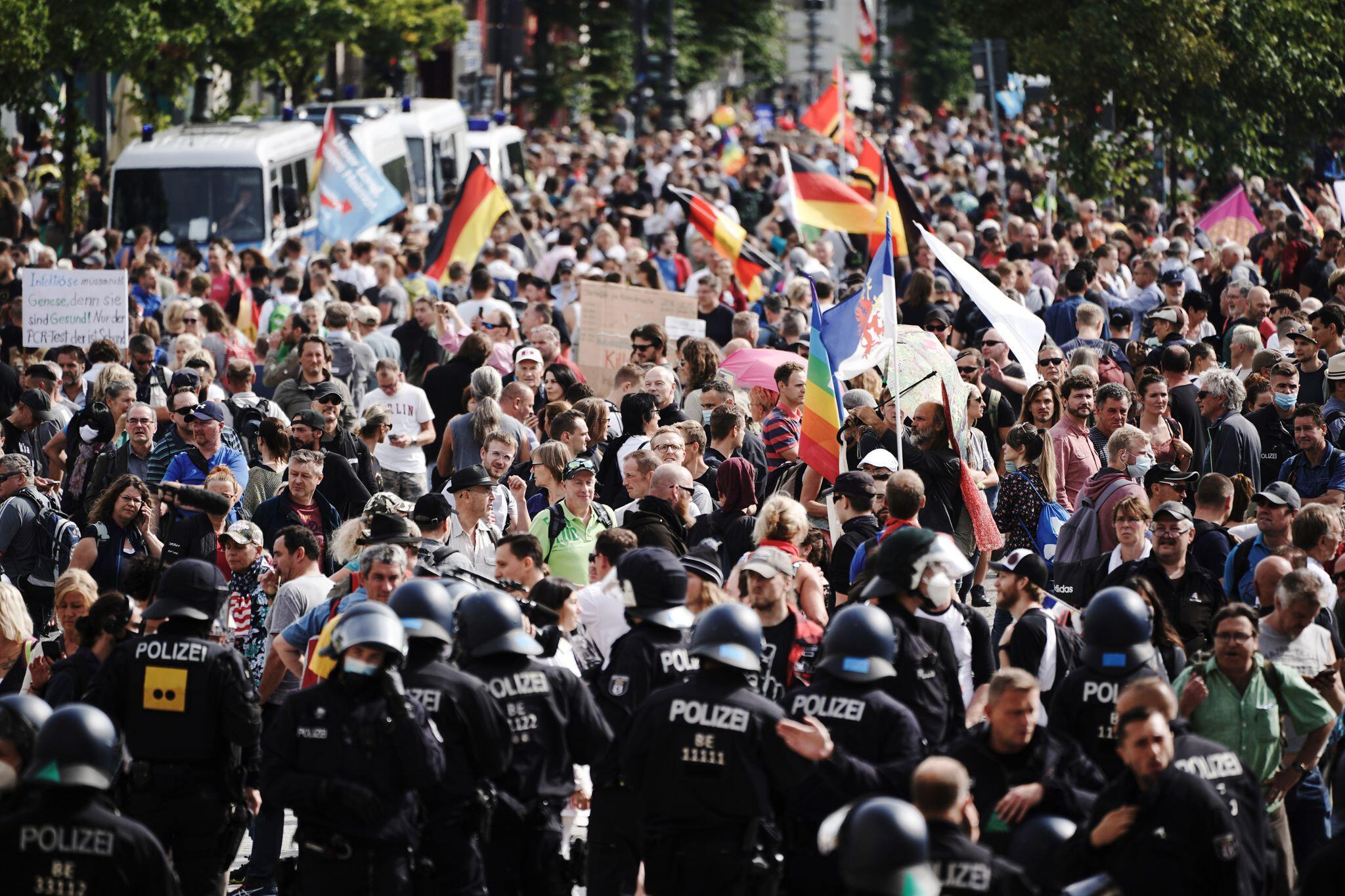 Bild zu Protest gegen Corona-Maßnahmen Berlin