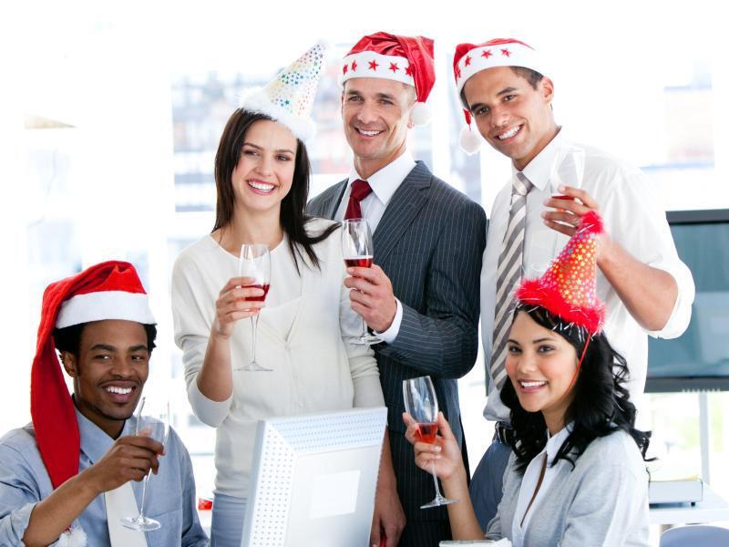 Bild zu Feuchtfröhliche Weihnachtsfeier