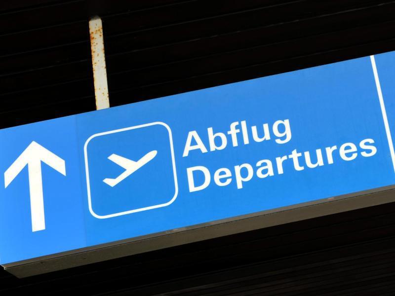 Bild zu Wegweiser am Flughafen
