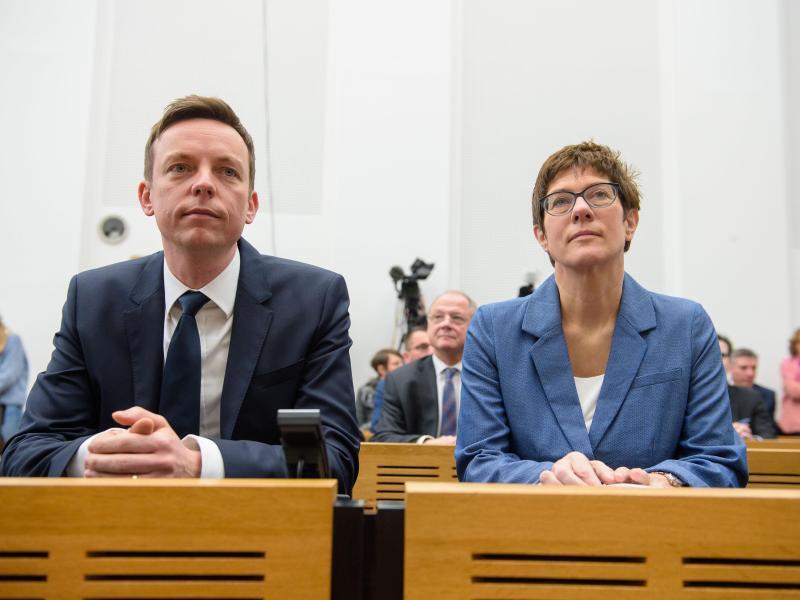 Bild zu Hans ist neuer Ministerpräsident