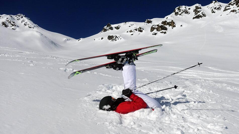 Frau beim Skifahren