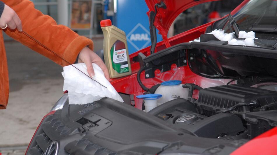 Motoröl überprüfen: Wichtig für ein langes Motorleben