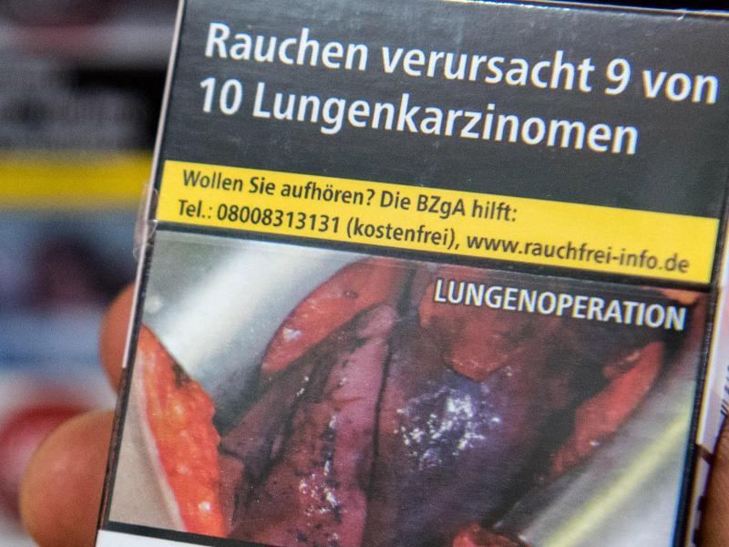 Bild zu Schockfotos auf Zigarettenschachteln