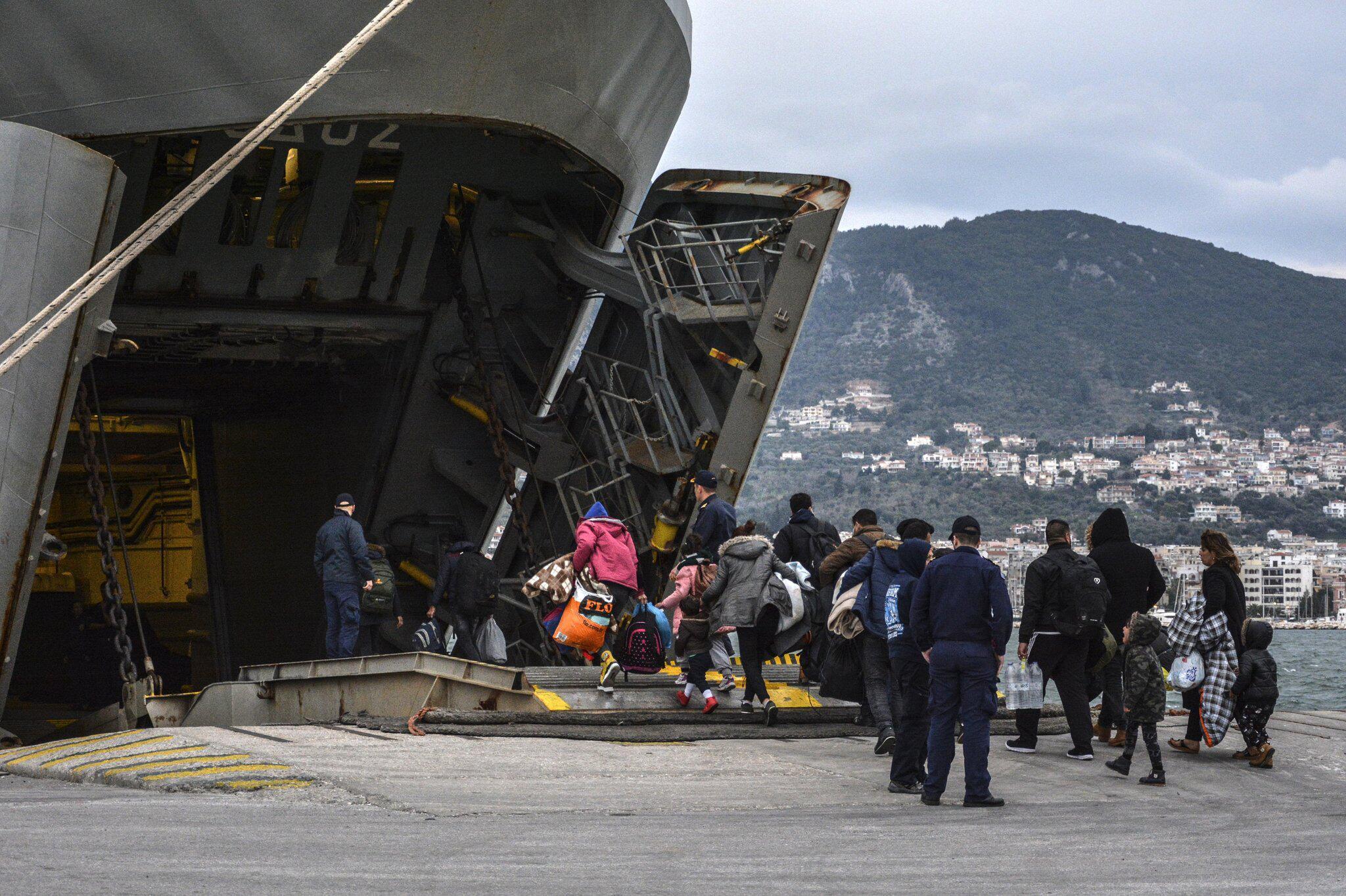 Bild zu Migranten auf Lesbos