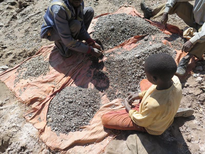 Bild zu Kinderarbeit in Kobaltminen