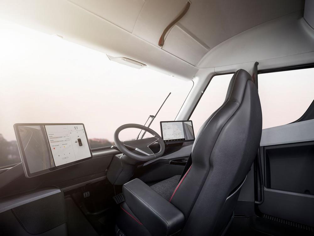 Bild zu Futuristische Fahrerkabine