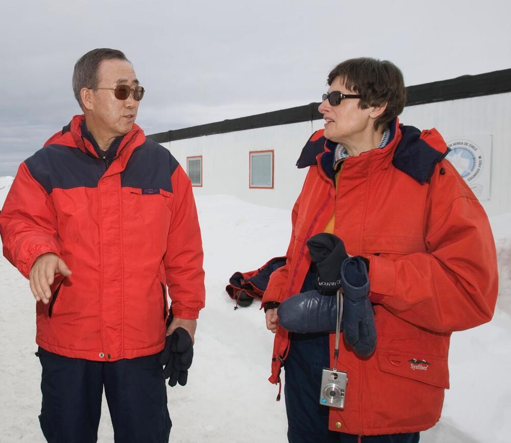 Angela Kane mit Generalsekretär Ban Ki-moon in der Antarktis.
