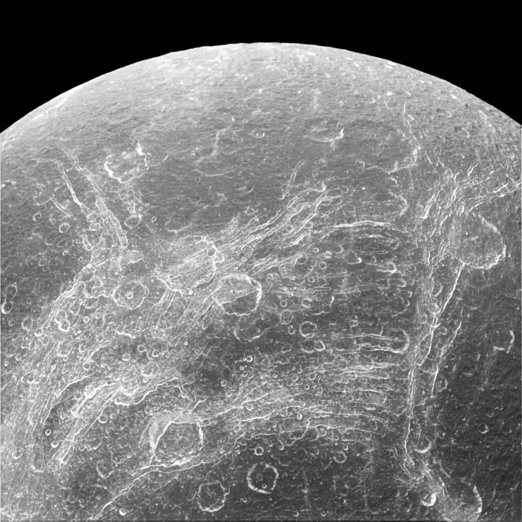 Bild zu Cassini, Dione, Saturn, Mond