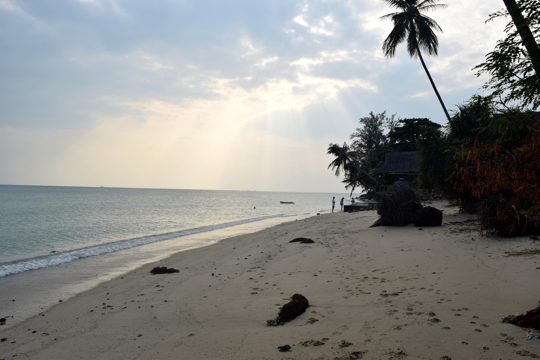 Bild zu Die Sonne geht unter in Thailand