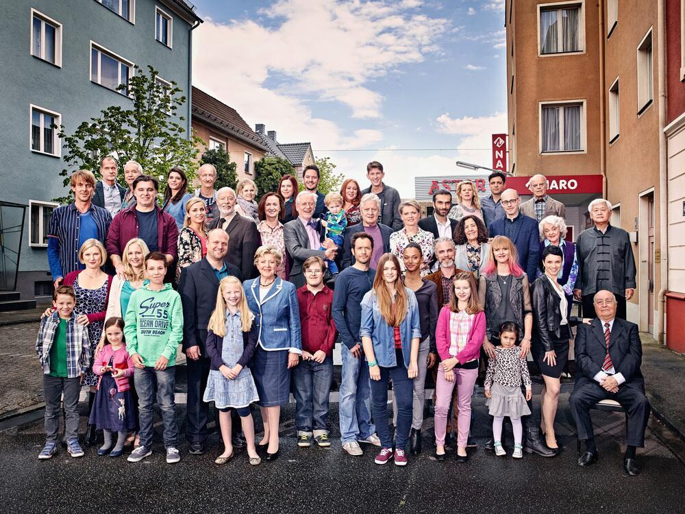 Bild zu Lindenstraße: Gruppenfoto
