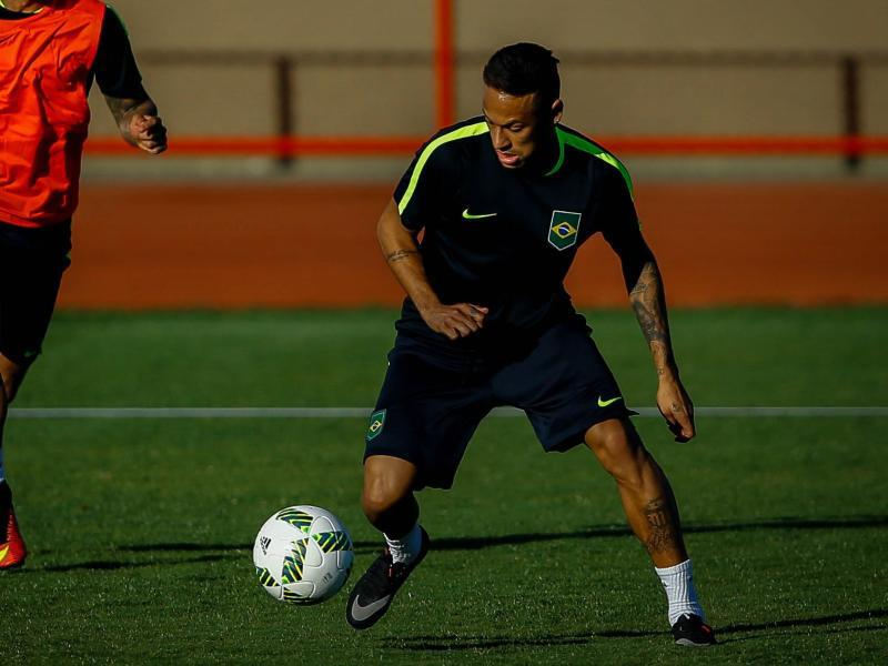 Bild zu Fußball-Star