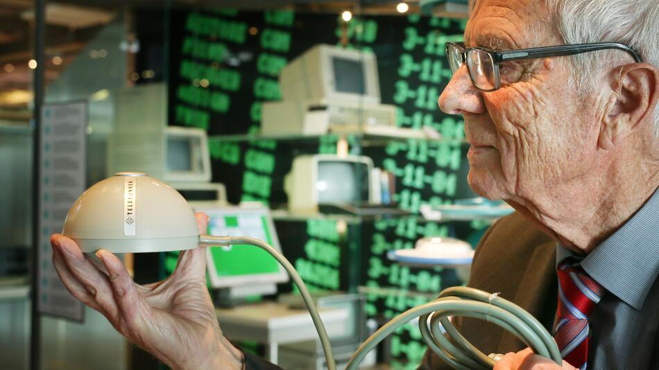 Ur-PC-Maus im Museum, Rainer Mallebrein