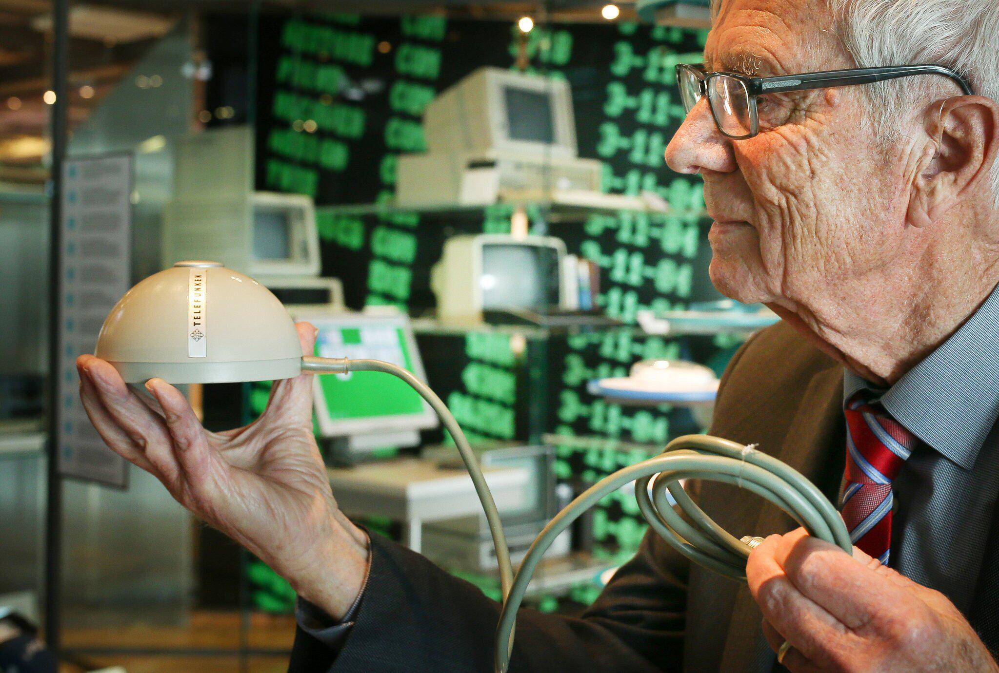 Bild zu Ur-PC-Maus im Museum, Rainer Mallebrein