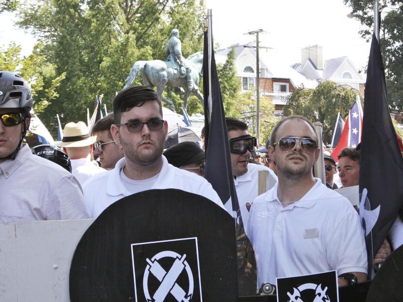 Bild zu Rassisten-Demo