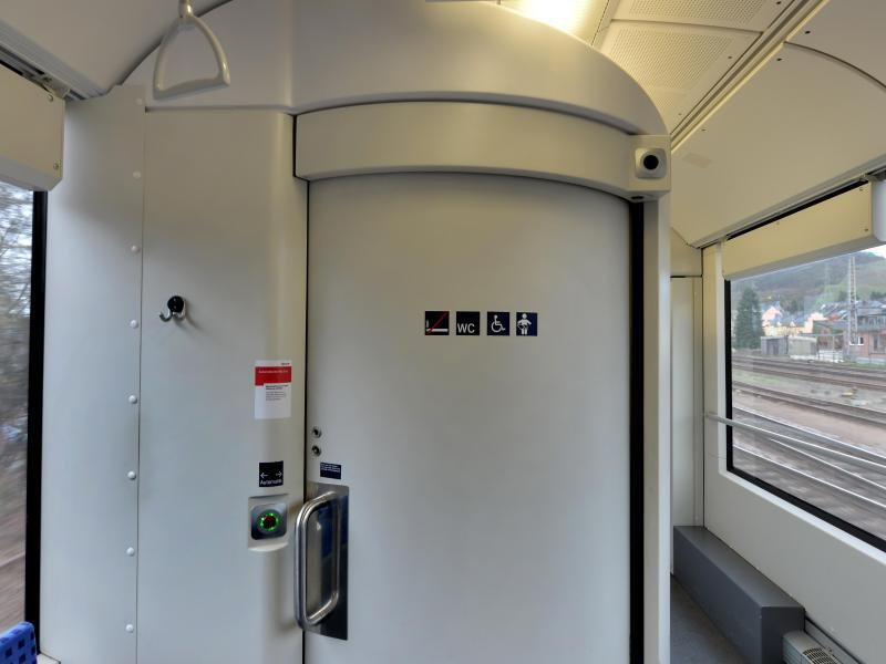 Bild zu Zugtoilette in einer Regionalbahn